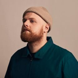 WORLD MUSIC FESTIVAL - Tom Walker (UK)