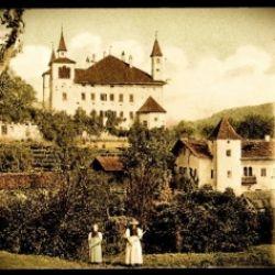 Mercatino delle pulci nel castello