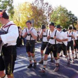 Ballo del gruppo Schuhplattler di Terento