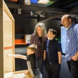 Familienführungen am Wochenende: Ötzis Welt – ganz nah!