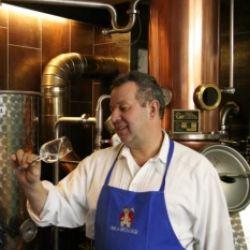 Con il cuore e le mani - Visita della distilleria