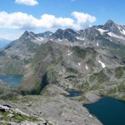 Escursione guidata ai Laghi di Sopranes con guida alpina