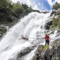 Vivere in equilibrio alla cascata di Parcines